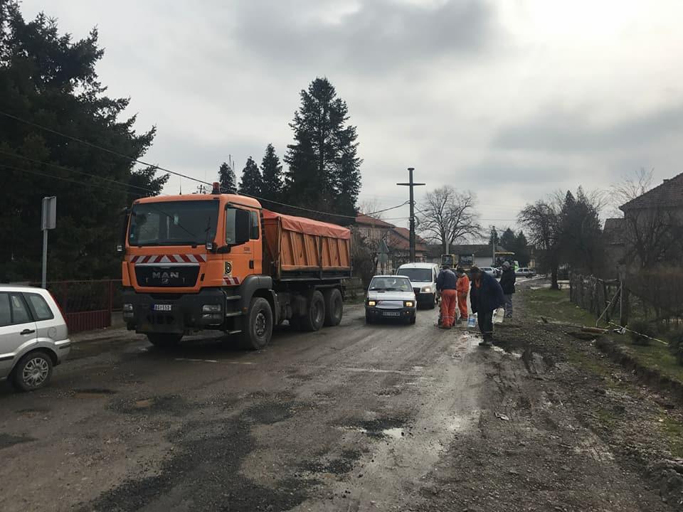 Завршни радови на асфалтирању у Звечкој и постављање нових радар доплера