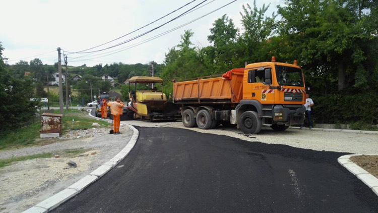 Завршена реконструкција Гробљанске улице у Баричу