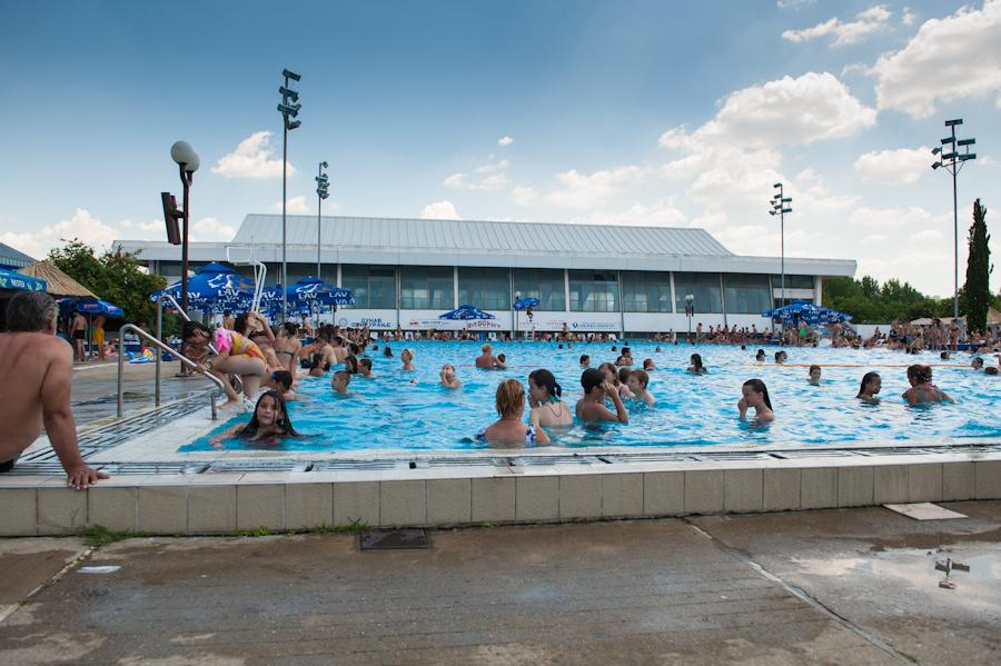 Сутра отварање летњих базена