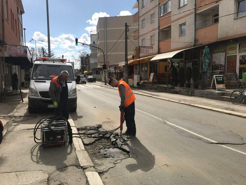 Ускоро санација ударних рупа и тротоара широм Обреновца