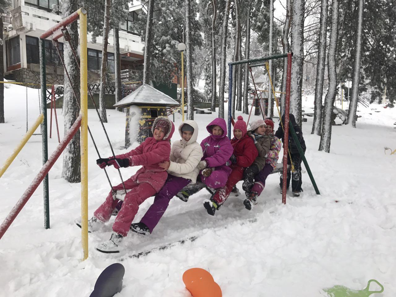 Представници општине посетили децу која бесплатно бораве на Руднику