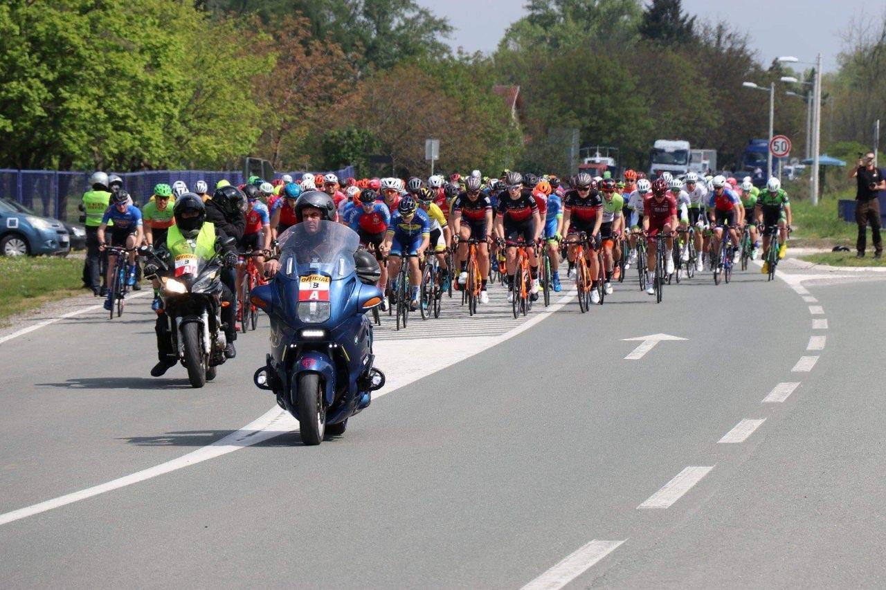 Међународна бициклистичка трка Београд-Бања Лука стартовала из Обреновца