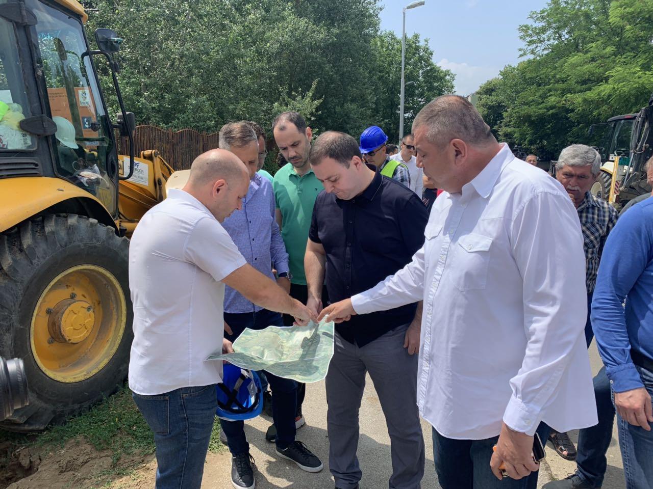 Весић: Изградњом цевовода више од 450 домаћинстава у Обреновцу добиће боље снабдевање водом