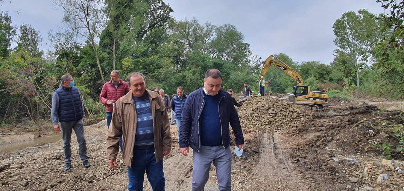 У току су грађевински радови на изградњи новог моста у месној заједници Пољане