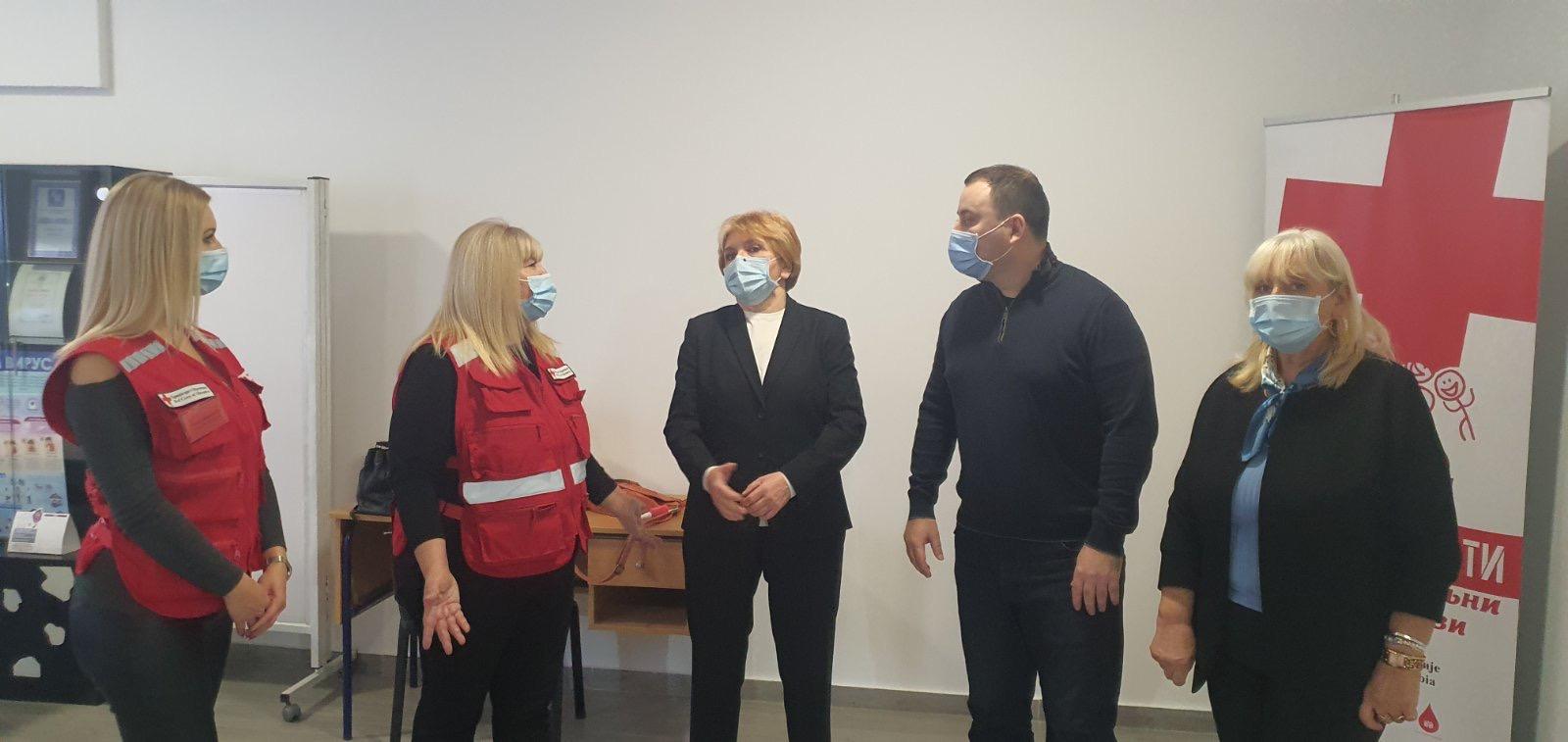 Проф. др. Даница Грујичић посетила просторије Црвеног крста у Обреновцу