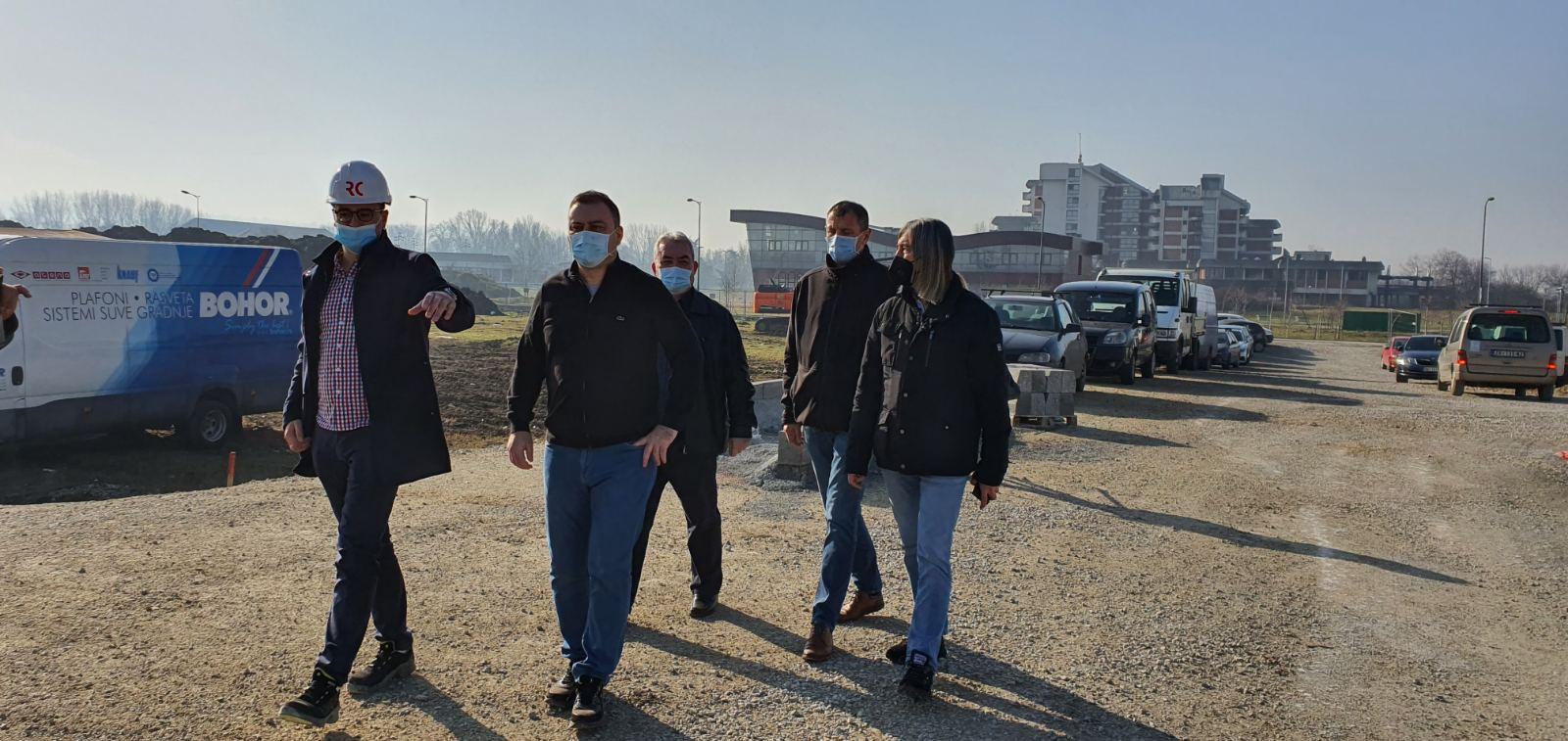 У току су грађевински радови на изградњи новог тржног центра у општини Обреновац