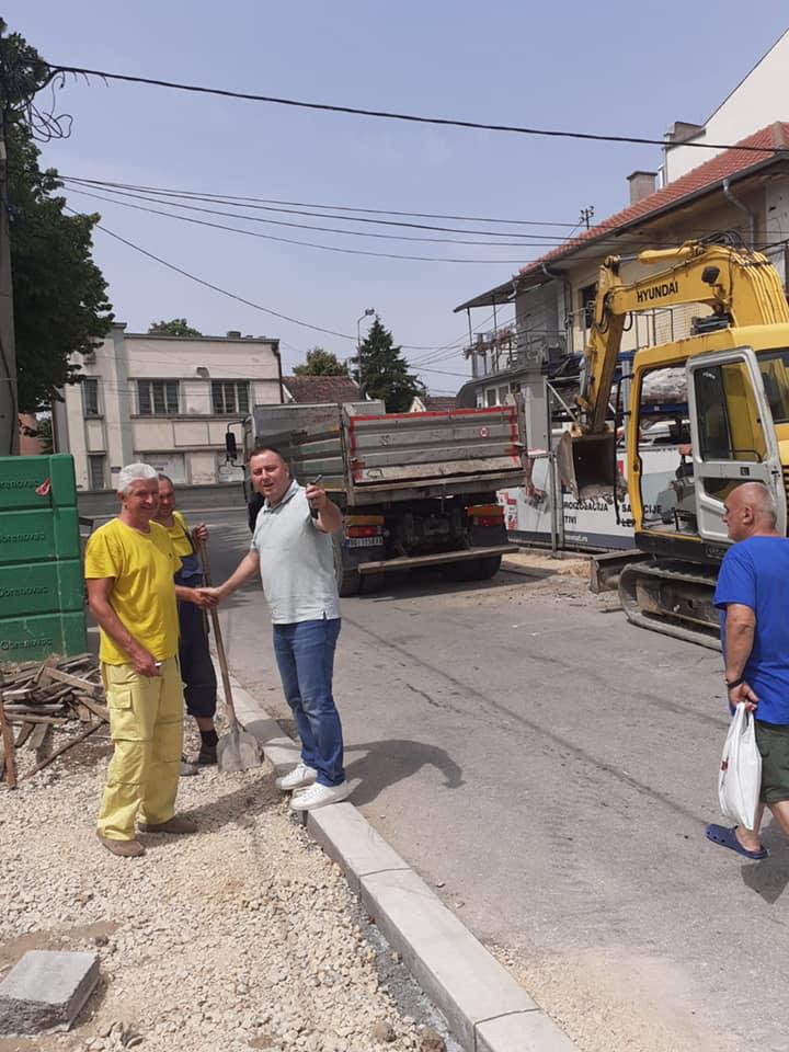 Обављају се грађевински радови на реконструкцији Улице Узун Миркове